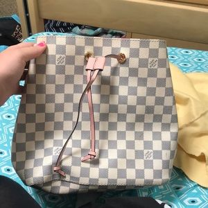 Louis Vuitton NeoNoe bag